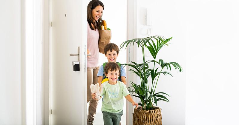 pourquoi installer une serrure connectée à la maison